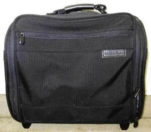 Briggs & Riley Rolling Computer Case   Product Features   Light
