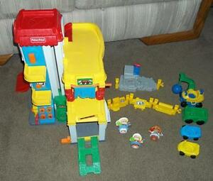 Fisher Price Little People 3 Level Garage + Cars + Accessories London Ontario image 1