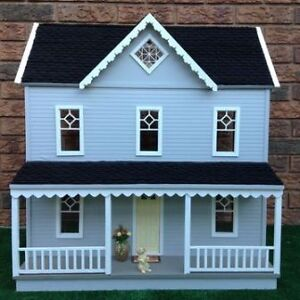 New Wooden Dollhouse 1/12 scale for collectors Kitchener / Waterloo Kitchener Area image 1