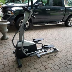 Tempo 615E Elliptical Trainer - Hardly Used.