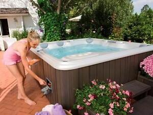 """SUPER HOT-TUB DEAL! GORGEOUS WELL-MAINTAINED SPA, ORLEANS90""""x90"""""""