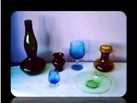 SELECTION OF COLOURED GLASS - 6 ITEMS - FOR SALE