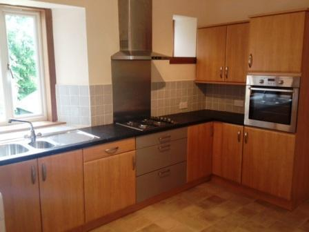 A Refurbished Three Bedroom Unfurnished Flat Located on Main Street, Bridge of Weir. (ACT 231)