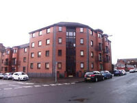 Furnished 1 bed raised ground floor flat in the West End, Sanda St (Ref:468)