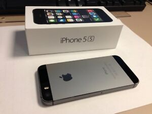 iPhone 5S - with warranty - New condition in a box