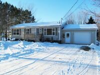 RARE FIND HAMPTON! Move in ready bungalow with rental apt!