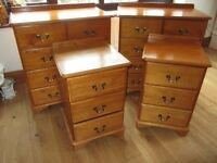 Set of bedroom chest of drawers and bedside tables (Matching set)