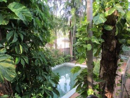 Room in Tropical House near Casuarina Square