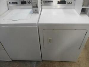 ENSEMBLE LAVEUSE & SECHEUSE PAYANTE / SET COIN OPERATED WASHER & DRYER