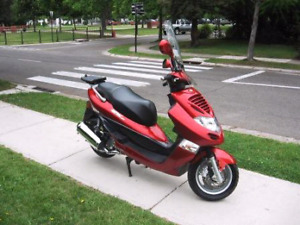 High power scooter / motorcycle 140 km/h like new