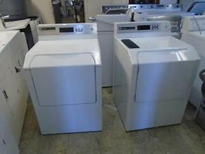 1000766 ENSEMBLE LAVEUSE SECHEUSE INTITUTIONNELLE COMMERCIALE MAYTAG INTITUTIONNAL WASHER DRYER SET