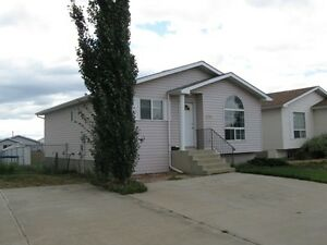 #1031- 3 Bedroom House in Ivy Lake w/Great Yard $1350 April 1st
