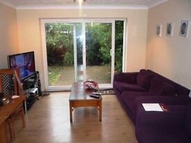 3 BED HOUSE - ONLY £1600 - PERFECT FOR SHARERS / STUDENTS / FAMILIES - VERY CLOSE TO BOSTON MANOR