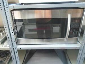 1000981 FOUR MICRO-ONDE / HOTTE SAMSUNG MICROWAVE HOOD