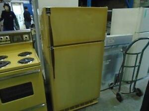 "1000776 ENSEMBLE POELE 24"" ADMIRAL ET FRIGO 30"" GE/ STOVE 24"" ADMIRAL AND FRIDGE 30"" GE SET"