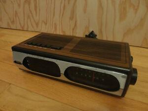 Bristal Digital Clock & Radio London Ontario image 3