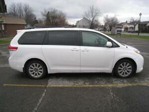 2011 TOYOTA SIENNA XLE - FULLY LOADED - LEATHER - LOW MILEAGE