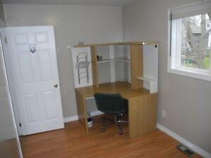 One room available for responsible college student Kawartha Lakes Peterborough Area image 2
