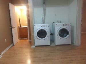 rooms in apparment,next to bus stop,1 minute walk to  MUN
