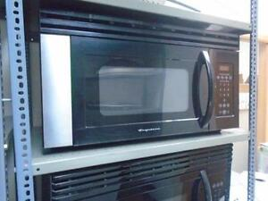 1000977 FOUR MICRO-ONDES / HOTTE FRIGIDAIRE MICROWAVE / HOOD