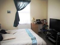 FOUR BEDROOM HOUSE, Oxford Road, Reading Berkshire, AVAILABLE NOW