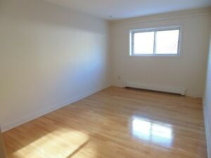 **Bright, conveniently located ground floor one bedroom**