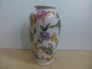 Vase London Ontario image 2