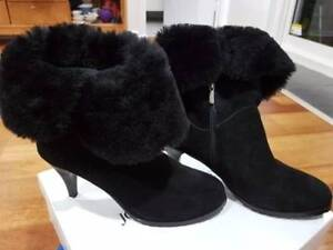 Fur lined boots North Haven Port Adelaide Area Preview