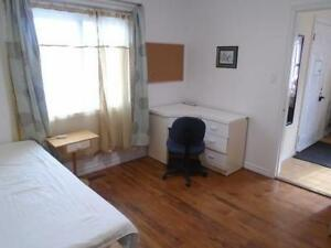 Mid. Oct.- 2 Sunny Big Furnished Rms-Near Terminal-Short or Long