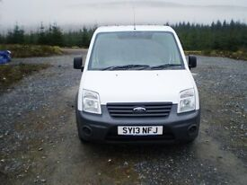 2013 Ford Transit Connect T200 - will come serviced, with 12 months m.o.t and 12 months warranty