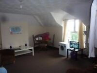 £750 PCM 2 bedroom 2nd floor flat on Richmond Road, Cathays, Cardiff, CF24 3AS