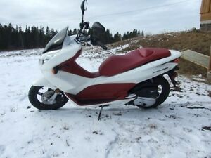 Honda PCX150 Scooter