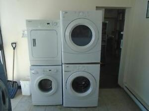 1001218 ENSEMBLE LAVEUSE SECHEUSE WHIRLPOOL WASHER AND DRYER