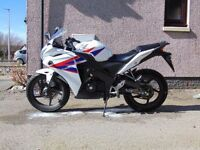 IDEAL LEARNER BIKE, WHITE HONDA CBR 125 R-C, 13 PLATE, IMMACULATE CONDITION, LOW MILEAGE, £2200 ONO