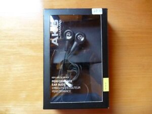 AKG Performance Ear Buds West Island Greater Montréal image 1