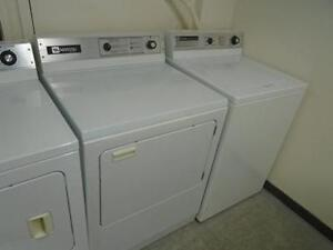 1001149 ENSEMBLE LAVEUSE SECHEUSE COMMERCIALE INSTITUTIONNELLE MAYTAG WASHER DRYER SET COMMERCIAL INSTITUTIONNAL