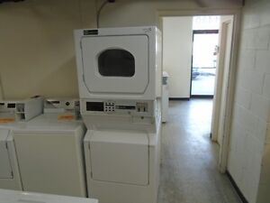 AA ELECTROMENAGERS: 1000458 LAVEUSE SECHEUSE COMMERCIALE MAYTAG