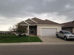 RENT TO OWN THE NICEST BUNGALOW IN OKOTOKS. BE A HOME OWNER…