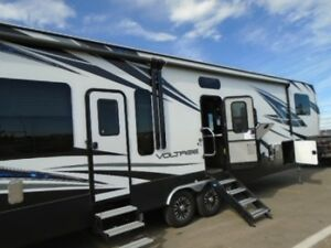 2019 Dutchmen RV Voltage V3705