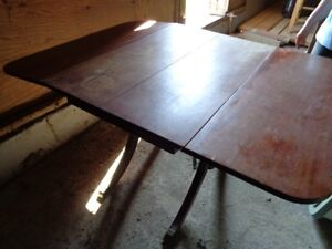 Vintage Duncan Phyfe Table and 4 chairs