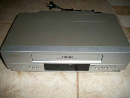 VCR - VHS Video type player / recorder Teac MV-4000 No remote con