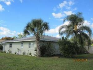 Vacation in Florida - 2 bdrm. 1 bath house / January-April 2020