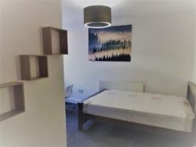 BRAND NEW MODERN DOUBLE EN-SUITE ROOMS AVAILABLE NOW FOR THE ACADEMIC YEAR! LUXURIOUS ACCOMMODATION!