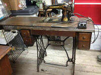 SINGER 127 sewing machine
