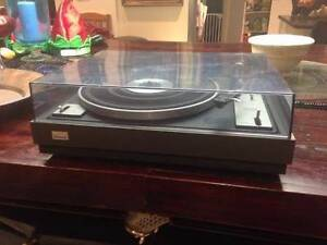 Sansui Turntable – Retro – fully functional – high quality unit. Ashmore Gold Coast City Preview