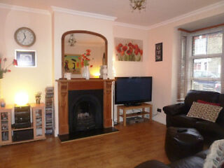 FANTASIC LARGE 3 BEDROOM HOUSE EALING WITH GOOD TRANSPORT LINKS Ealing Broadway Picture 2