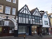 UNFURNISHED GRADE 2* LISTED DUPLEX APARTMENT ROCHESTER HIGH ST. 2 BEDS KITCHEN DINER (available Dec)
