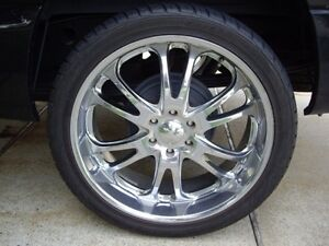 CHROME WHEELS AND TIRES 275/45R20