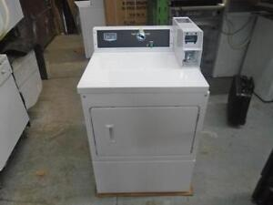 1000959 SECHEUSE COMMERCIAL NEUF MAYTAG BRAND NEW COMMERCIAL DRYER
