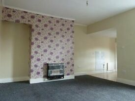 Deposit free renting- 3 bedroom upper floor flat on Russell Street- £870 Total move in